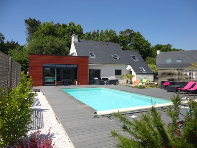 Maison piscine chauffée proche mer - Rédéné - Dům