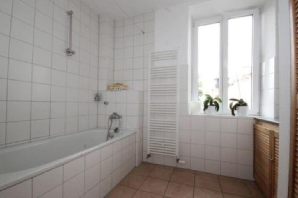 14 m2 zimmer 35 m2 wohnzimmer wohnungen zur miete in neu ulm bayern deutschland. Black Bedroom Furniture Sets. Home Design Ideas