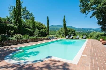 5 bedroom villa, pool, great views - Caprese Michelangelo - Vila