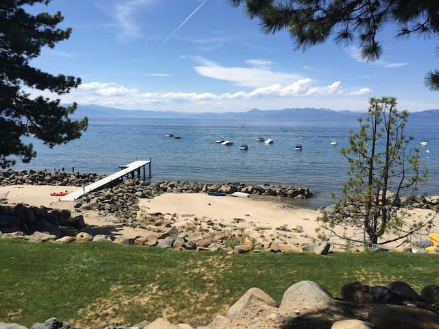 Lakefront Studio Condo Nice Getaway - Tahoe Vista - Selveierleilighet