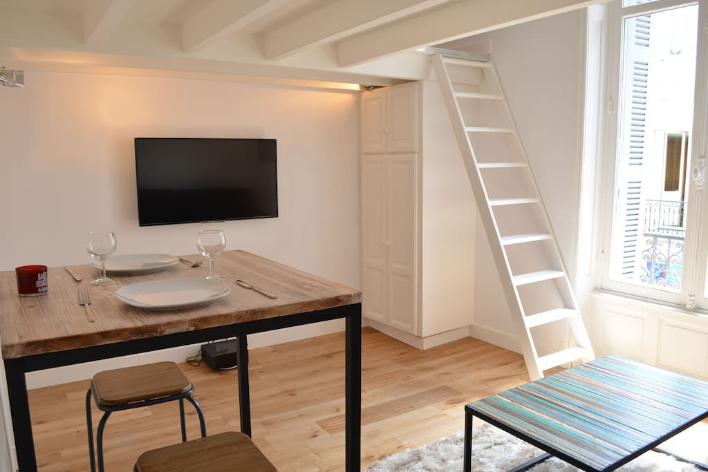 Studio with a mezzanine 2 min to the beach apartments for rent in biarritz aquitaine france - Mezzanine studio ...