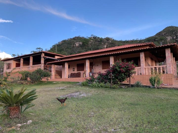 Casa com cachoeiras e trilhas privativas em MG