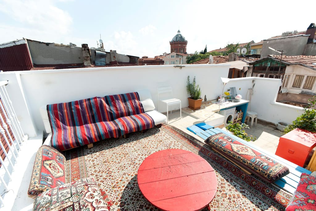 the communal roof terrace