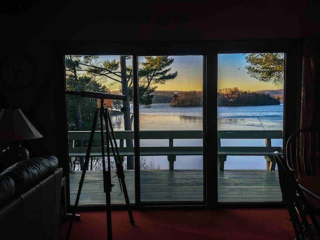 Large Beautiful Lake Front Home in Private Cove