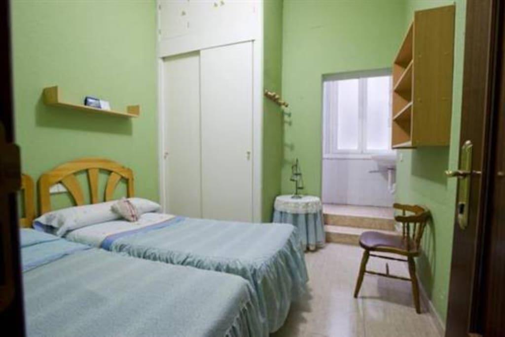 Se alquilan habitaciones en madrid casas en alquiler en for Habitaciones en madrid