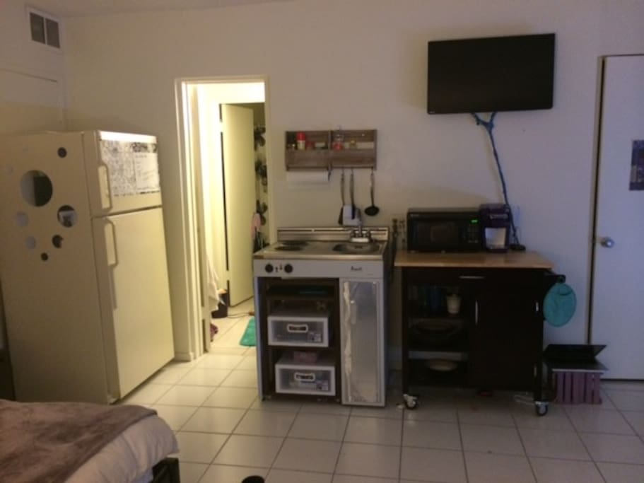 Kitchen and tv