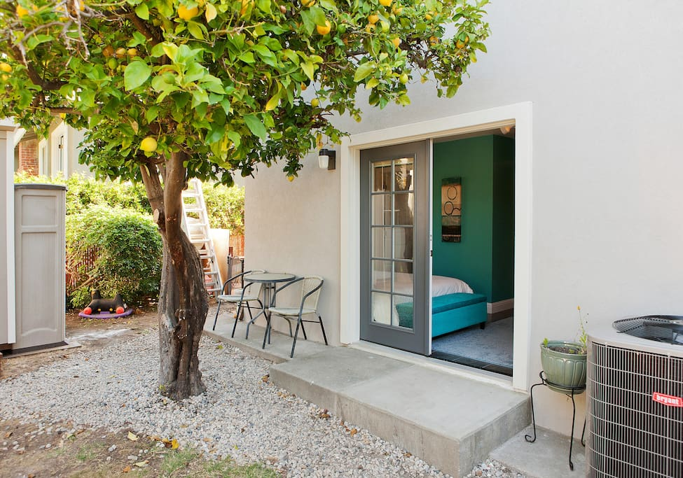 Front of the unit with a nice lemon tree.  You're free to help yourself :)