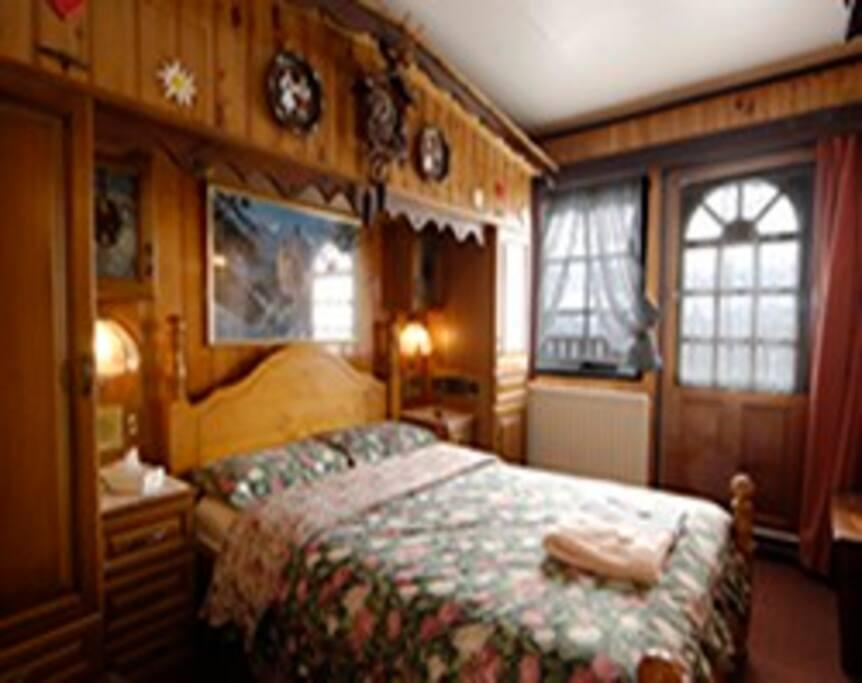 Alpine Honeymoon Room