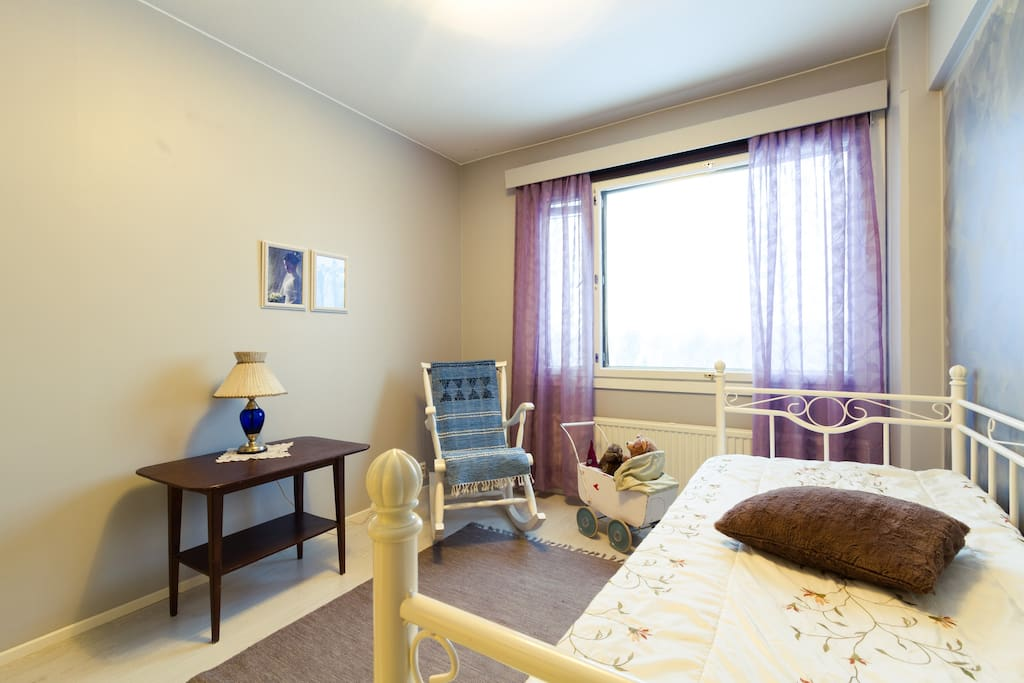Guests' room. A double bed is openable on the right. Another single bed is put on the left if guests use separate beds. The furniture is conversible within guests' preferences.