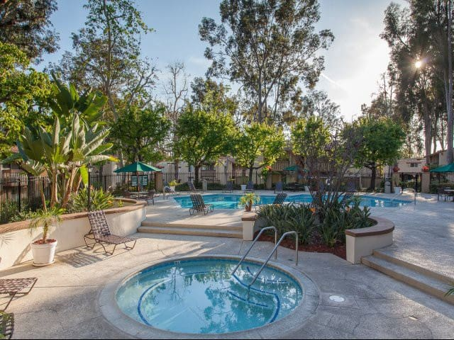 Entire 2 Bedroom Apt w Jaccuzzi & Pool - Laguna Hills - Pis