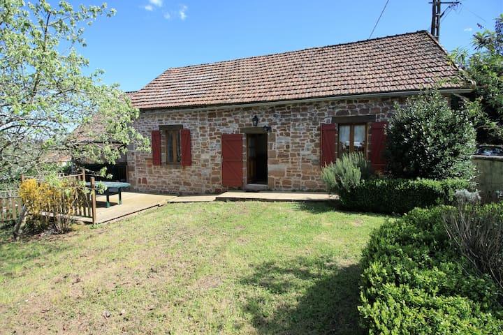 Maison en pierre avec piscine - Hautefort - Casa
