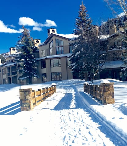Arrowhead Village Condo-Steps to Ski Lift - Edwards - Apto. en complejo residencial