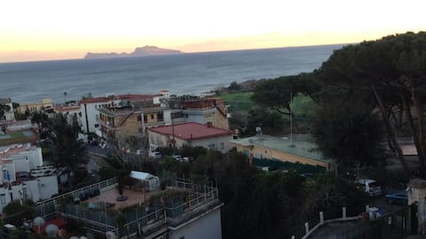 POSILLIPO : VACANZA IN  PANORAMA SUGGESTIVO