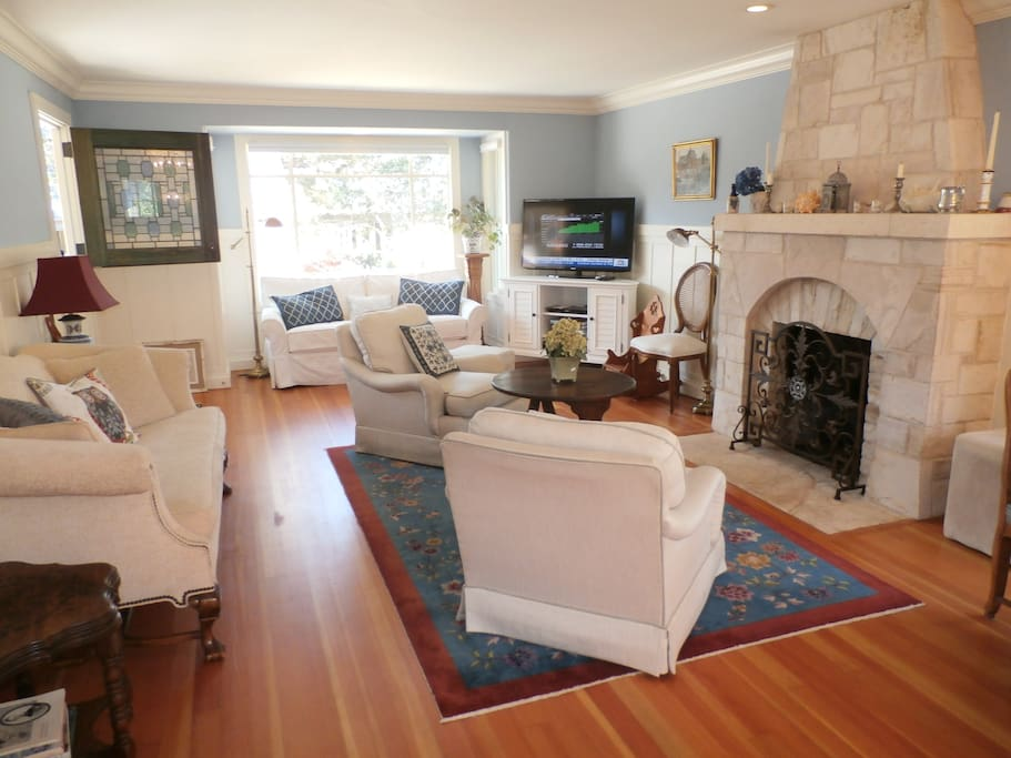 Large living/dining  room w/ ample seating & new stone FP (gas)