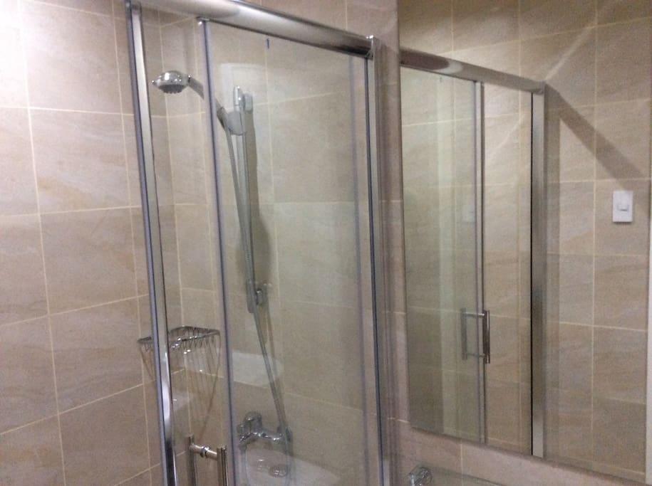 Shower room at the loft