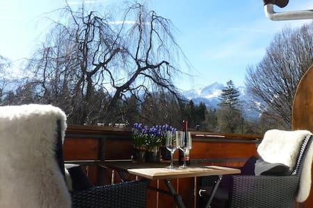 Zugspitzblick vom Südbalkon mit priv. Bad, Netflix