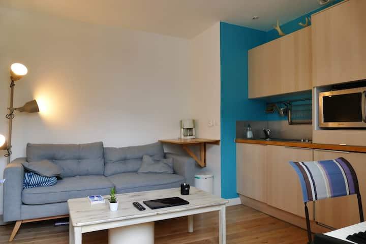 Nice bright studio near the Bois de Boulogne