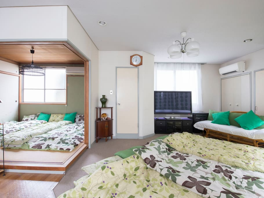 If 6people stay, Place a futon in the living