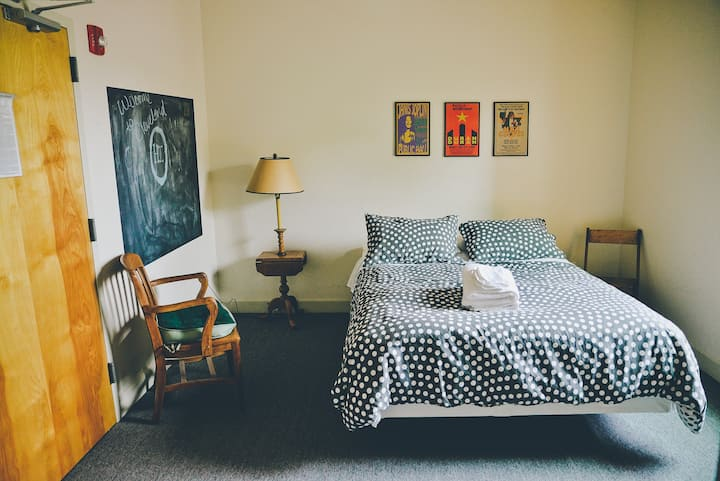 Cozy room on West 25th Street