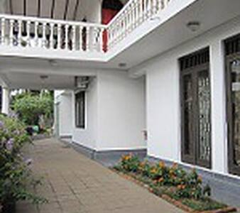 Ground floor property with garden - Nugegoda