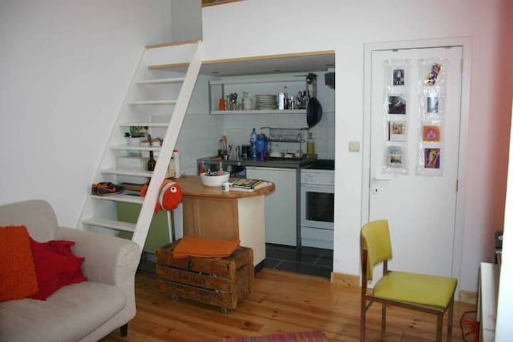 Studio flat in St Gilles, Brussels