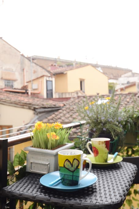 a breakfast in Florence over the roofs