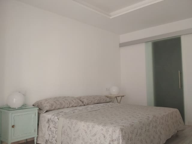 Private room and bath / WIFI / Breakfast