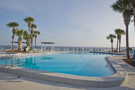 Bay View Studio With Free WiFi,Pool, & Parking! - Miramar Beach