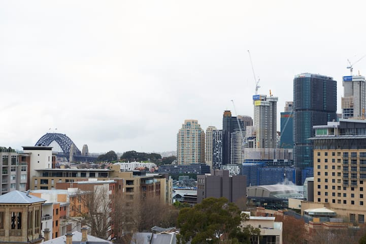 Huge apartment with hotel facilities in Pyrmont! - Pyrmont - Lägenhet