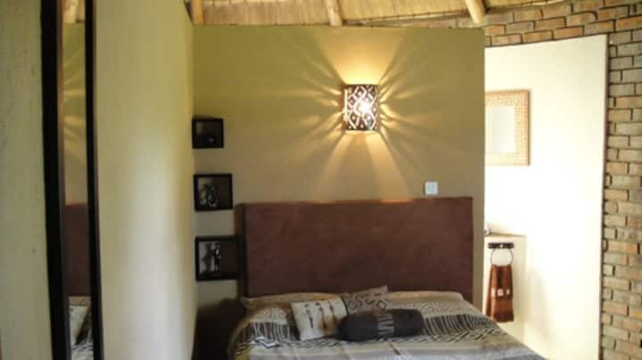 Rondavel-sleeps 2 on Game Farm
