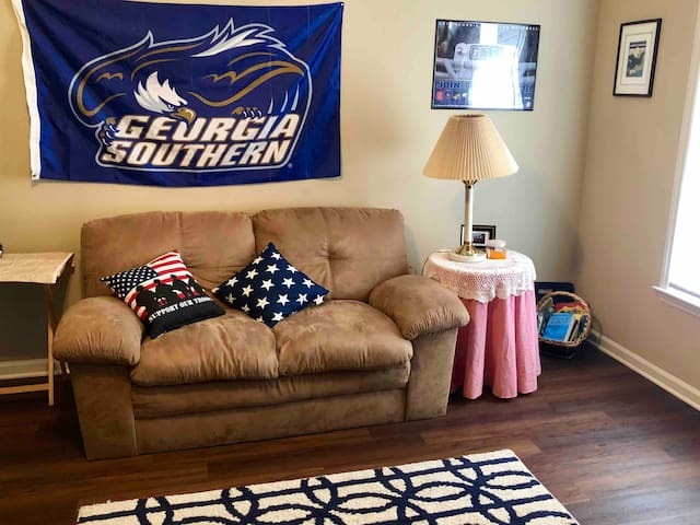 Rare/Clean 2 BR condo; 1 min to GSU Stadium/Campus
