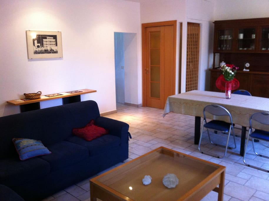 living hall, couch and table