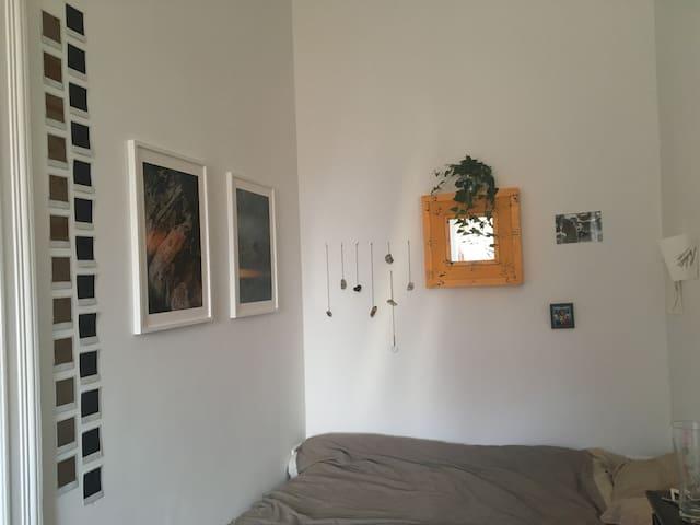 spacious artistic studio/flat