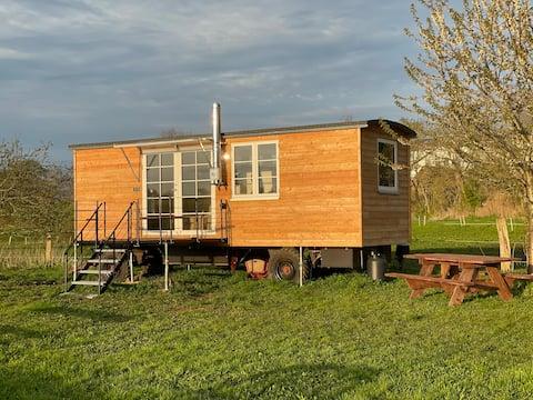 Modern & Stylish -  Tiny House Auszeit auf Landhof