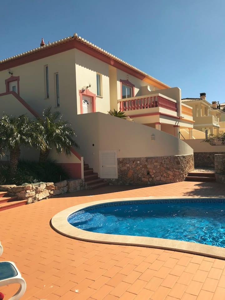 Villa Monpiti - alles für einen perfekten Urlaub