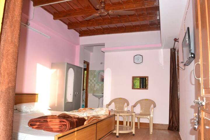 Prabhat Kunj HomeStay(Shimla Hills) - ชิมลา - บ้าน