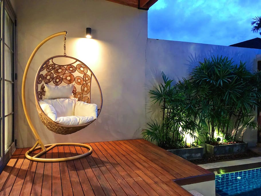 Supercomfy hammock chair to read a book with your private pool view
