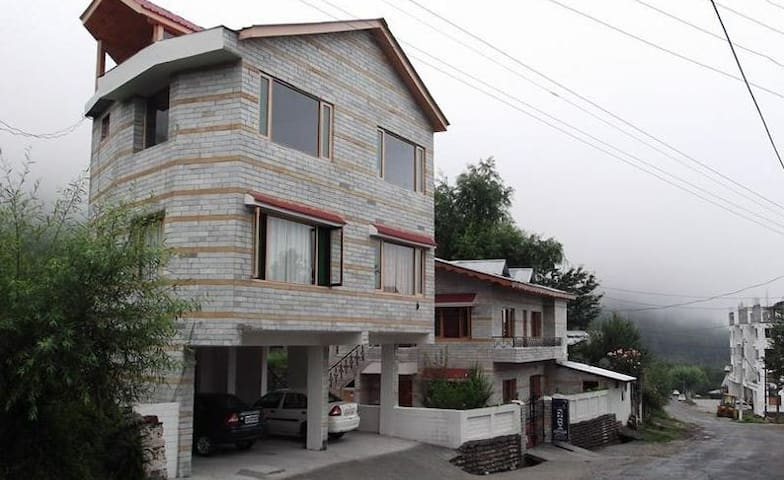 Modern stay in Manali - Manali - Ev