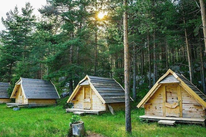 Eco Camp Chalets pod Gorom