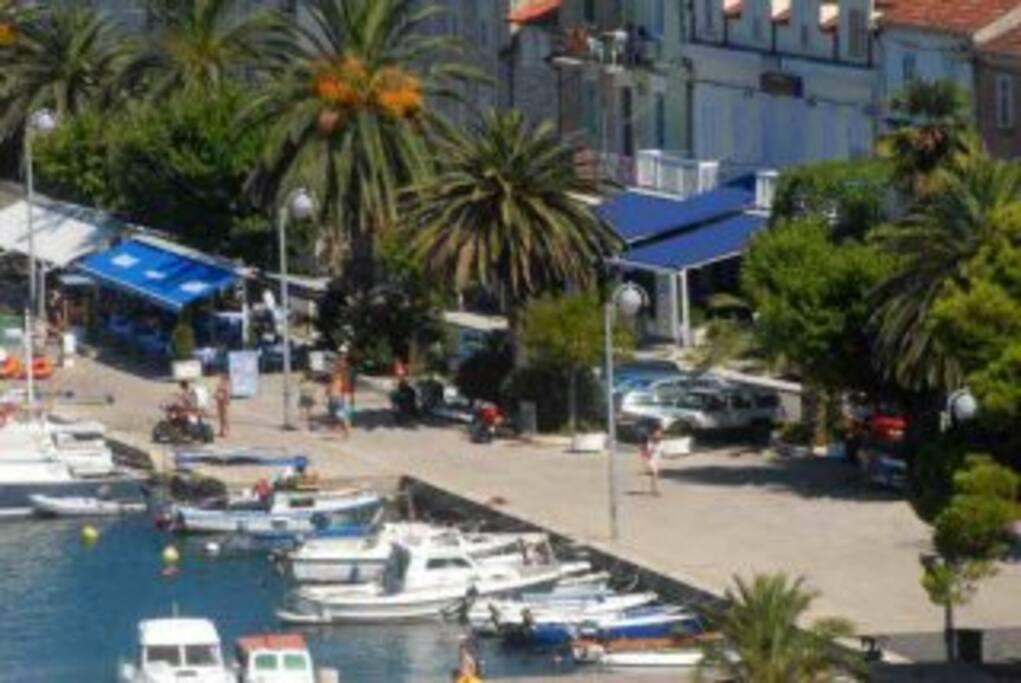 Trpanj harbour .