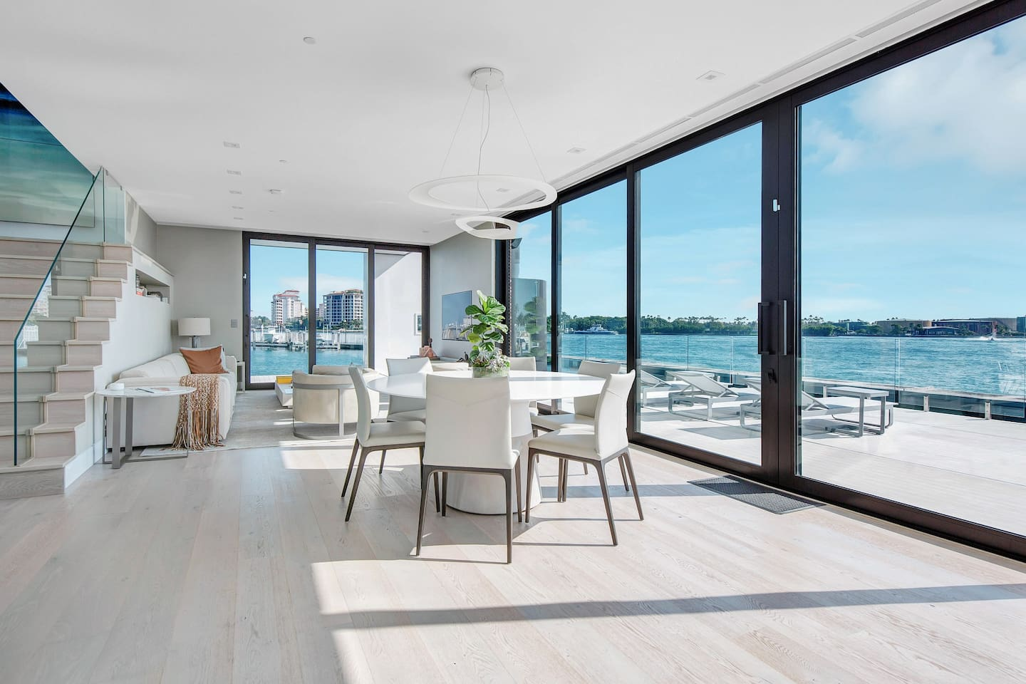 Spacious dining area with a view of your choice