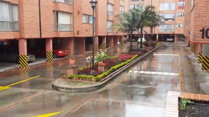 tranquilo, acogedor y bien ubicado - Bogotá - Byt