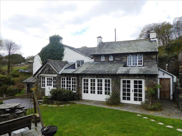 Summerhill Cottage, Windermere, The Lake District