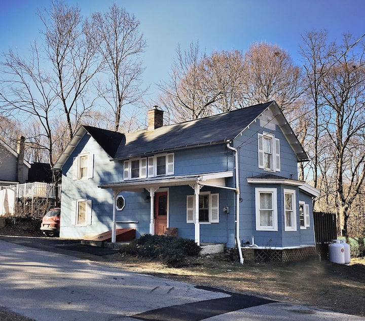 Escape to Idyllic Cottage in Rhinecliff