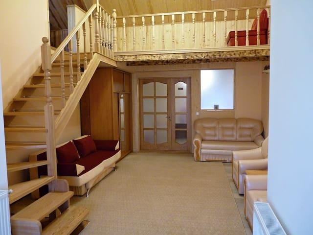Dvoupodlažní byt v centru Užhorodu - Uzhhorod - Huoneisto