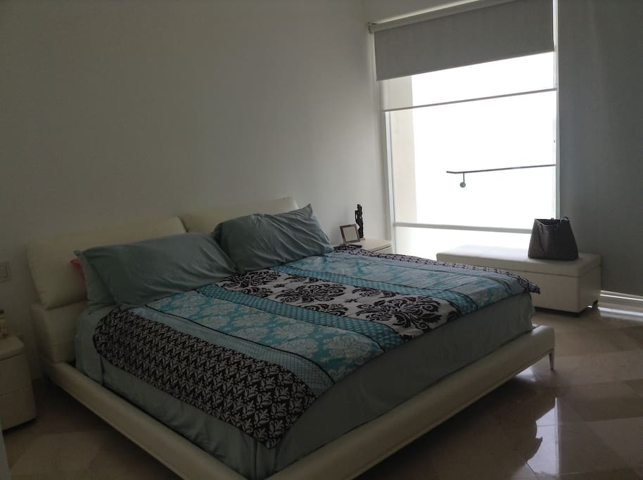 Master bedroom, king size bed. Ocean view, private bathroom with shower and tub, plasma Tv.