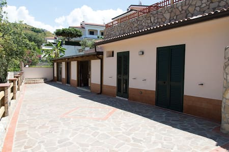 Camere EXTRALUSSO in villa Diamante - Diamante - Altres