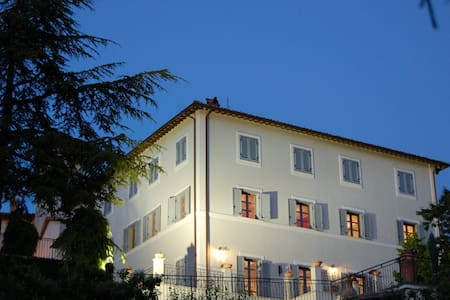 VILLA CAPPELLETTI B&B - Bed & Breakfast