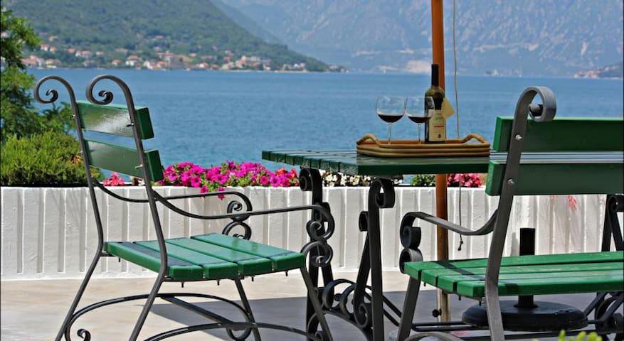 Guest House Tomcuk - Kotor - Villa