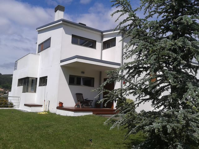 Villa proche de Saint Jacques de C - Boiro - Villa